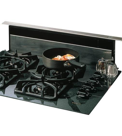 Broan Range Hood 36 StainlessSteel 273603 in Stainless Steel color showcased by Corbeil Electro Store