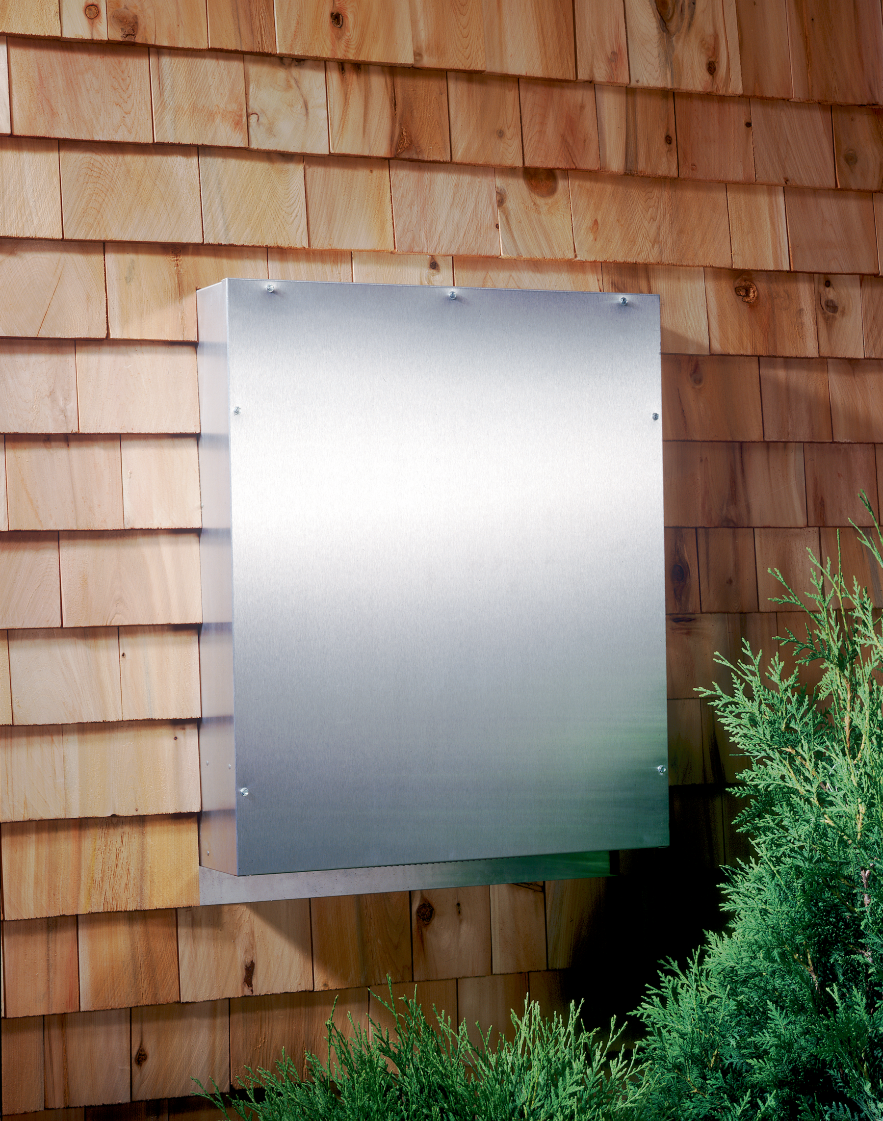 Broan Blower  Aluminum 331H in Aluminum color showcased by Corbeil Electro Store