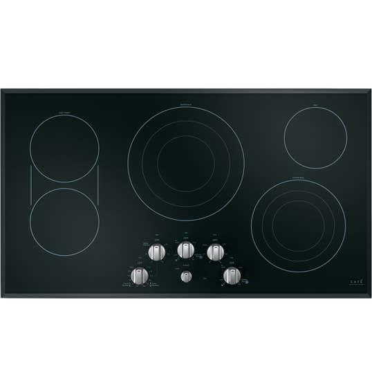 GE Café Plaque de cuisson 36 Noir en couleur Noir présenté par Corbeil Electro Store