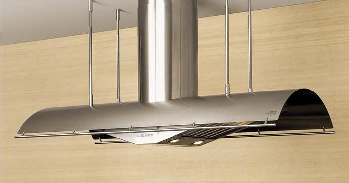 Zephyr Hotte de cuisinière 48po en couleur Acier Inoxydable présenté par Corbeil Electro Store
