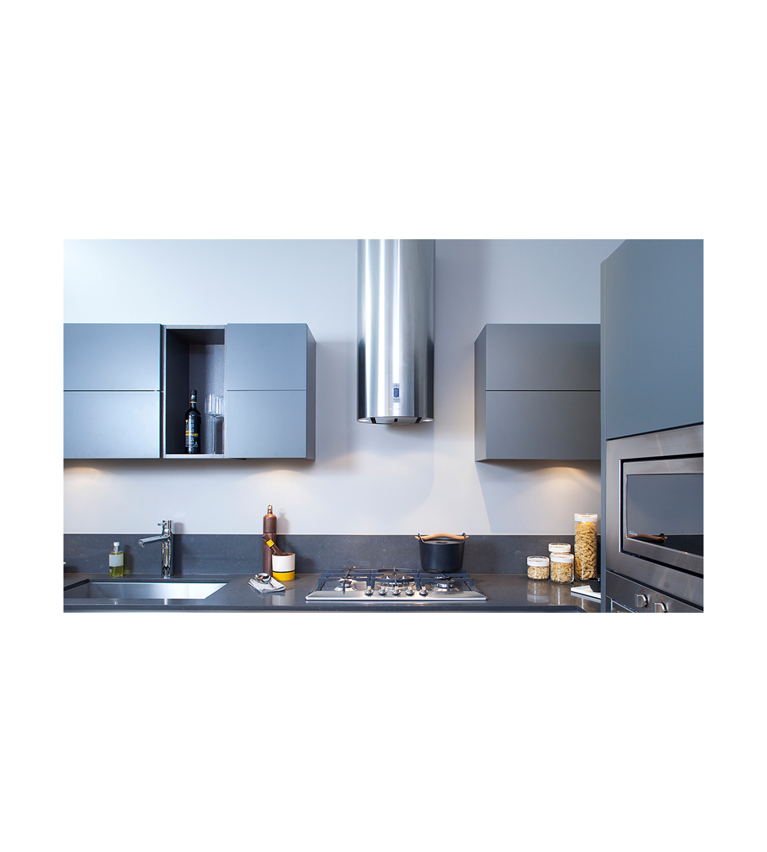 Faber Rangehood 15inch in Stainless Steel color showcased by Corbeil Electro Store