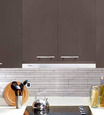 Broan Hotte 30 Acier Inoxydable E1230SS en couleur Acier Inoxydable présenté par Corbeil Electro Store