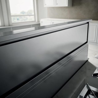 Elica Range hood 36 StainlessSteel ERS636S1 in Stainless Steel color showcased by Corbeil Electro Store