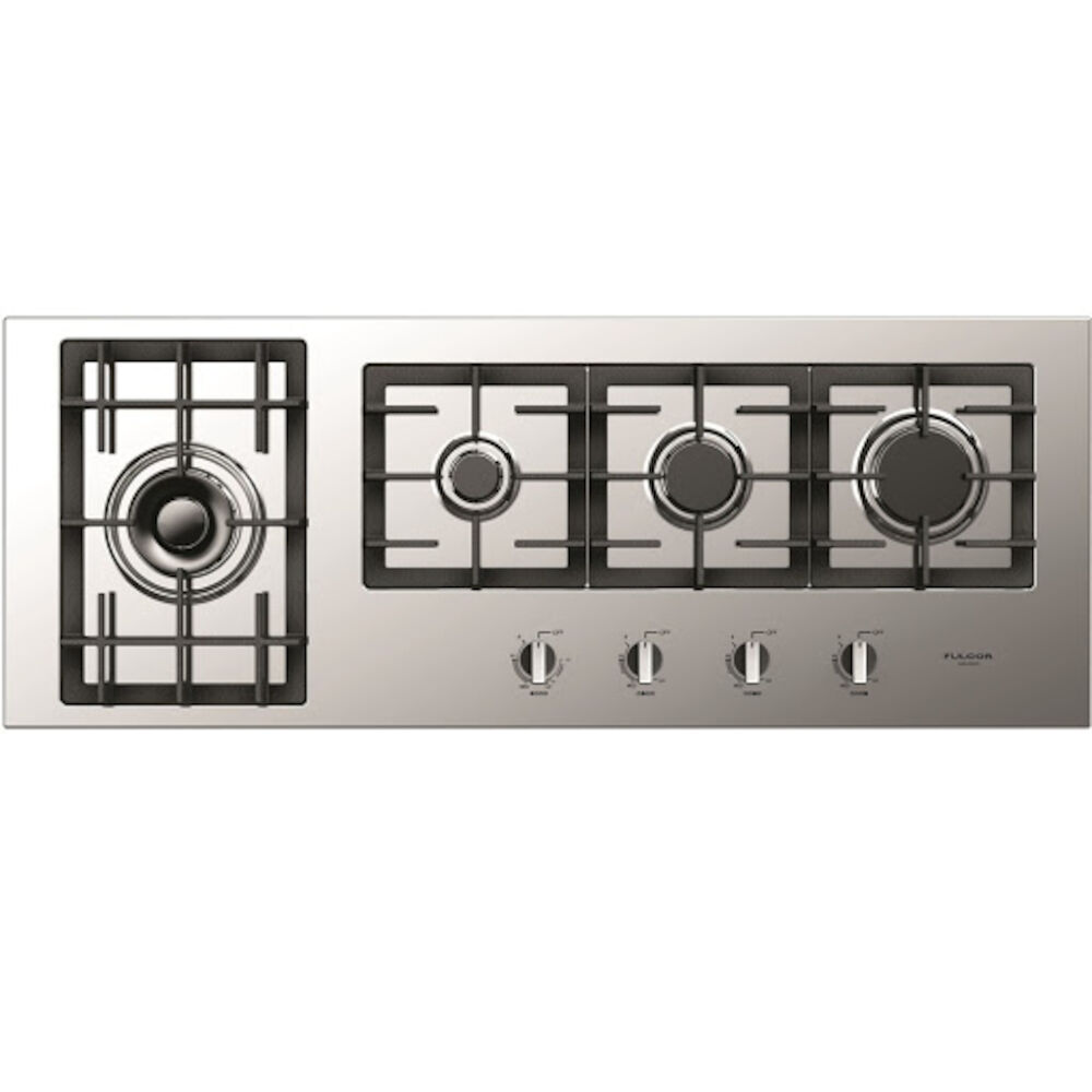 FULGOR Range 44inch in Stainless Steel color showcased by Corbeil Electro Store