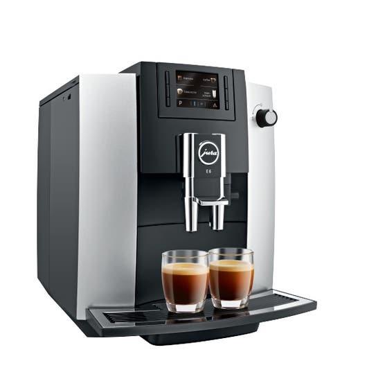 Jura Espresso Machine 11 Silver JU15070 in Silver color showcased by Corbeil Electro Store