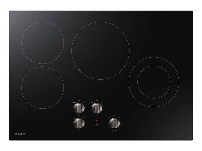 Plaque de cuisson Samsung en couleur Acier Inoxydable présenté par Corbeil Electro Store