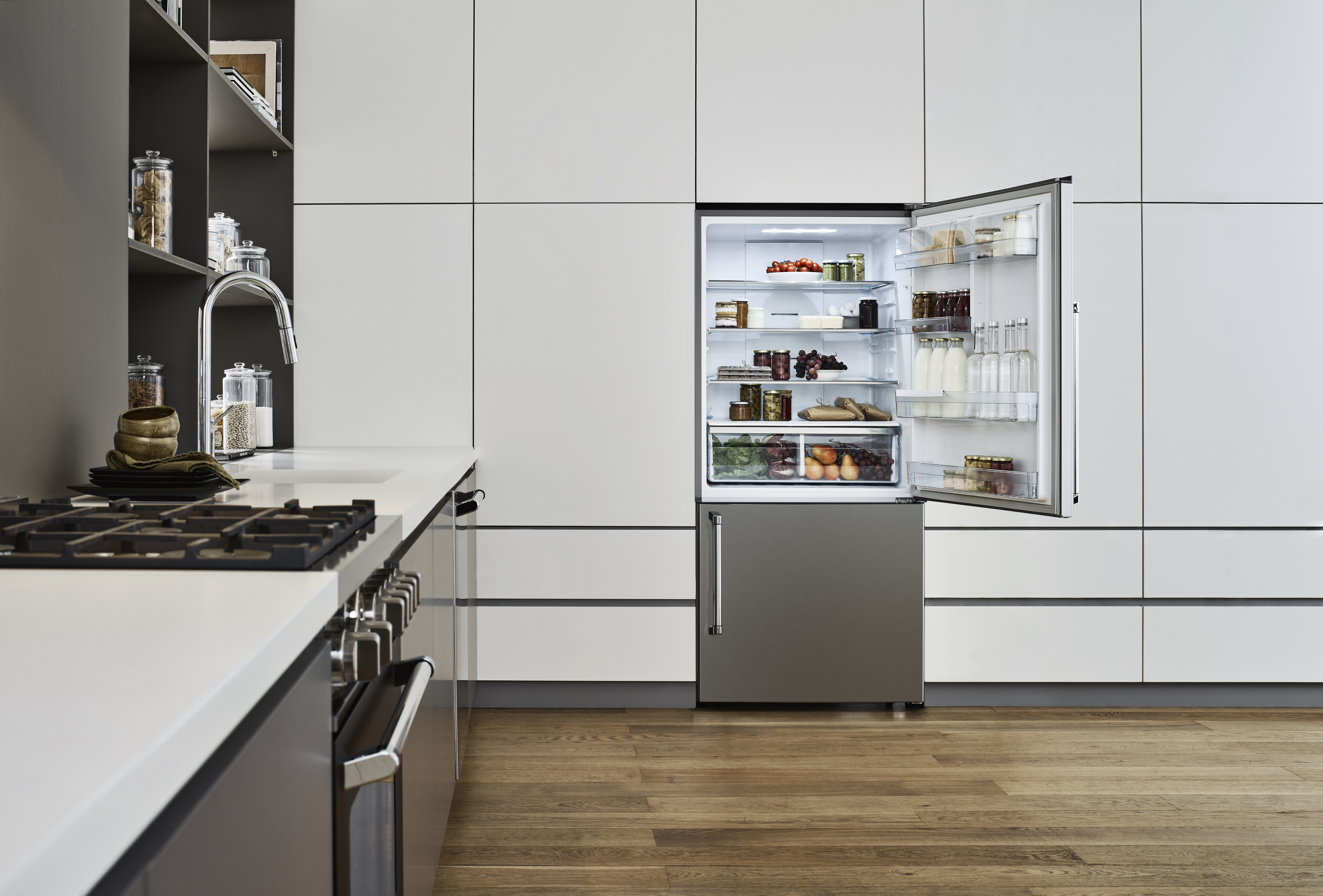 Bertazzoni Fridge REF31BMFX in Stainless Steel color showcased by Corbeil Electro Store