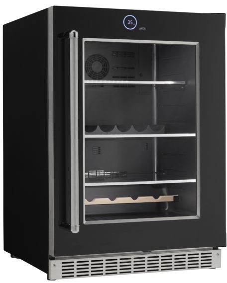 Silhouette Beverage center in Black color showcased by Corbeil Electro Store